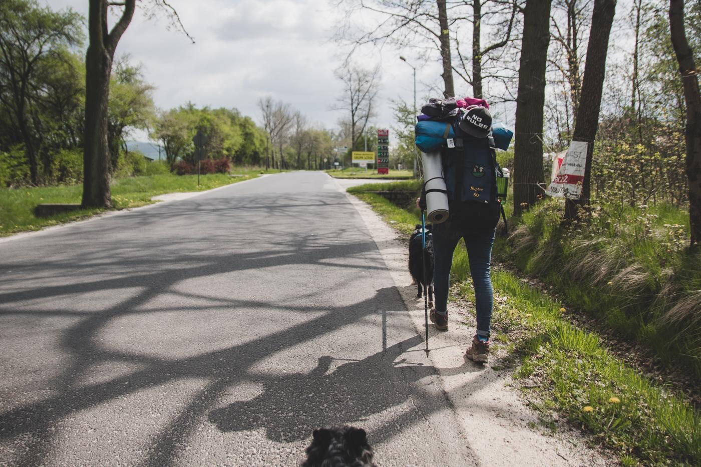 dobra komunikacja topodstawa wędrówek potrudniejszych szlakach iwzdłuż dróg