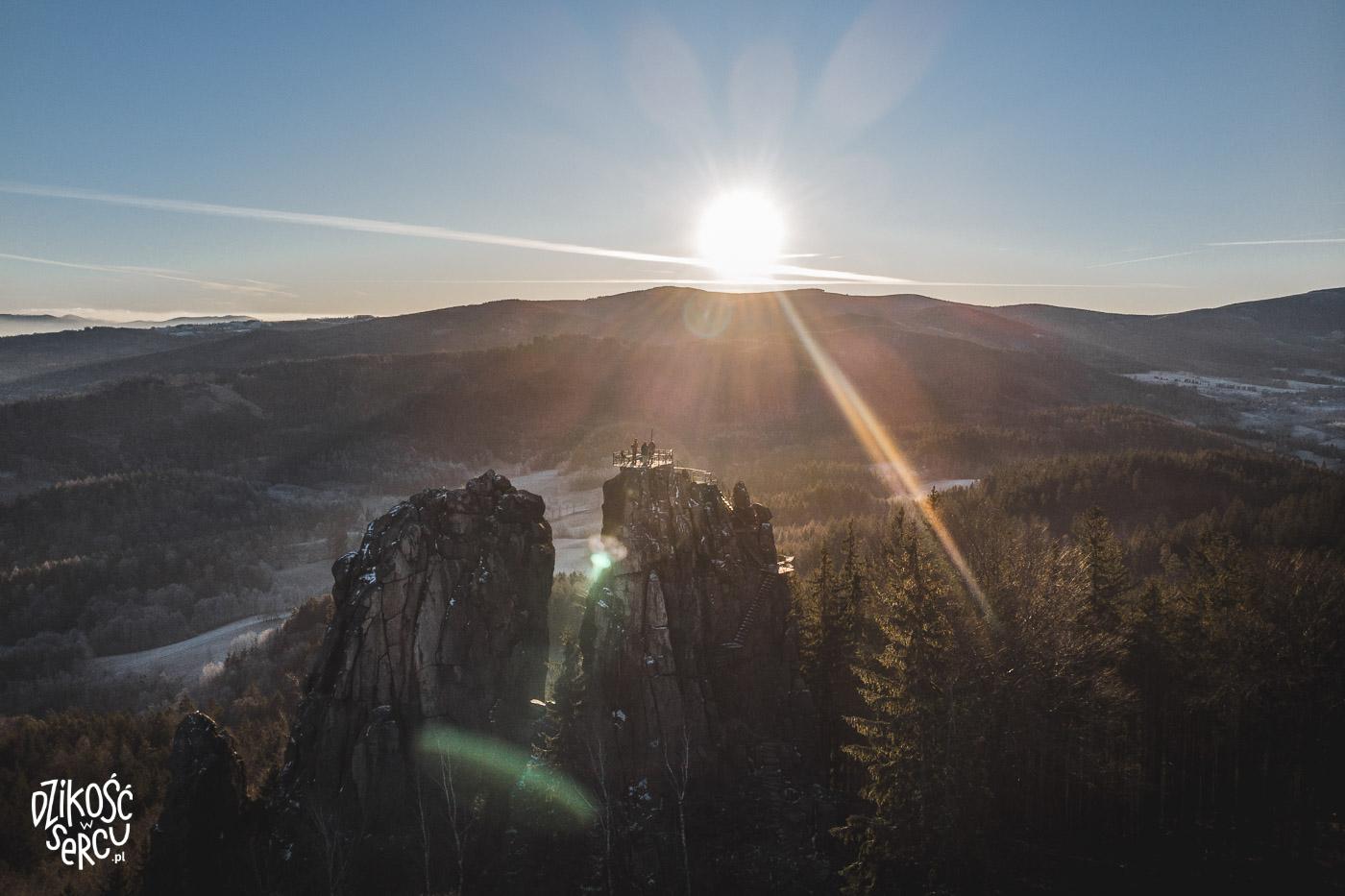 Rudawy Janowickie, wschód słońca w Rudawach Janowickich, Sokolik Duży z psem